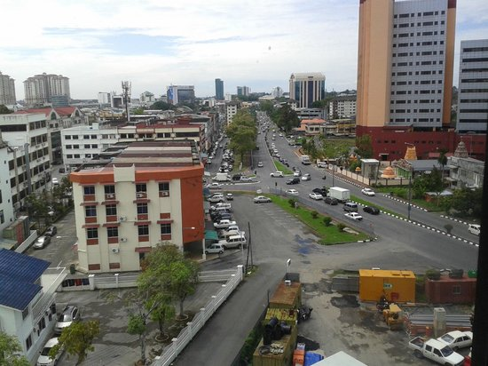 Grand Supreme Hotel : The view of Kuching city from the hotel room