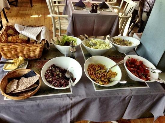 Maritim Krog & Hotell: Salad bar that goes with Dagens