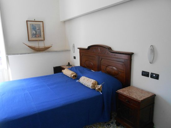 Sorrento Inn Guesthouse: Letto