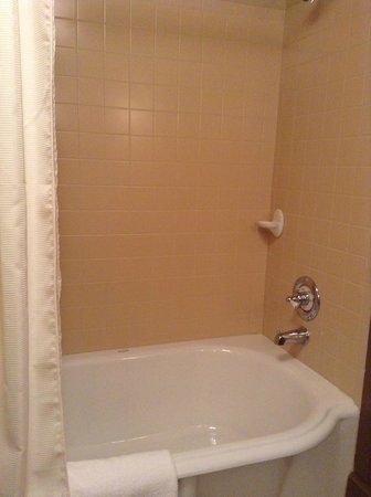 Grand Union Hotel: Soaking tub