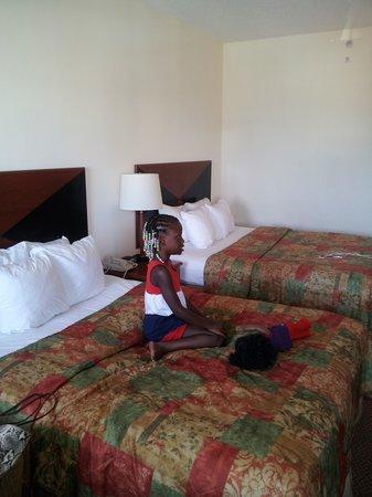 Sleep Inn & Suites: Queen Beds