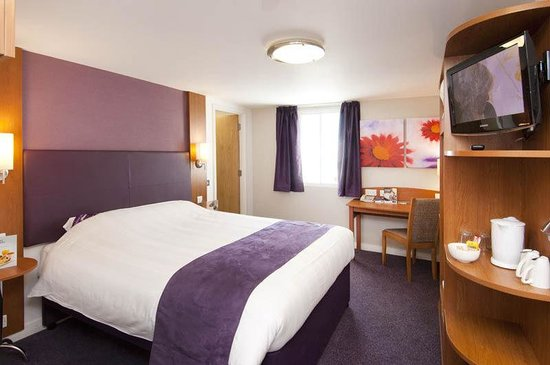 Premier Inn Burton On Trent East Hotel: Typical Double Room