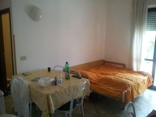 Residenza Le Rose: divano letto aperto