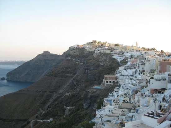 Atlantis Hotel: View of Fira from our balcony