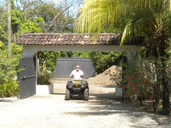 Hacienda JJ : ATV tour to Playa Grande