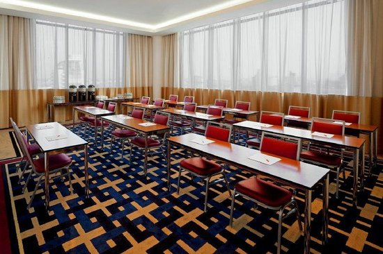 Four Points by Sheraton Long Island City Queensboro Bridge: Meeting Room