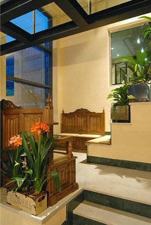 Hotel Julia: Interior