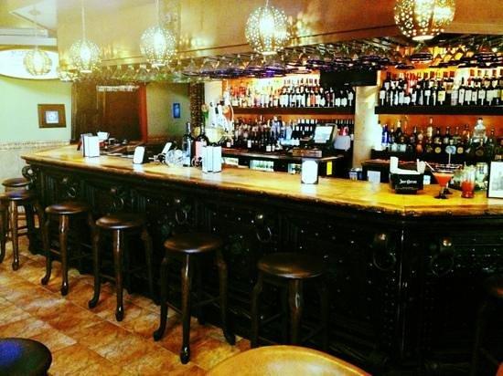 Manny's Cocina : manny's bar
