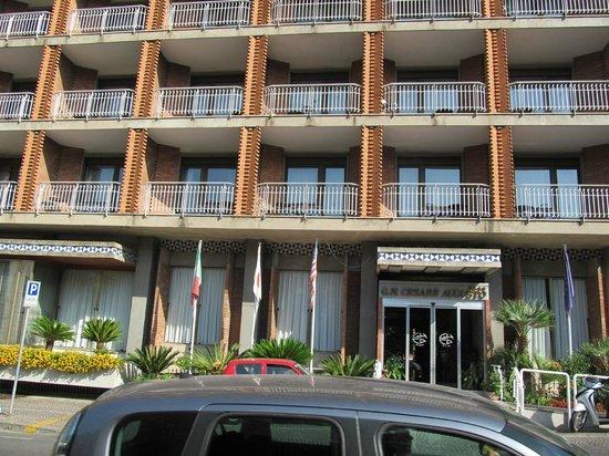 Cesare Augusto: vooraanzicht hotel