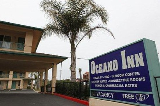 Oceano Inn: Signwithpalmtree