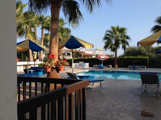 Loutsiana Hotel Apts: Udsigt fra vores terrasse