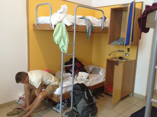 Seven Hostel: Bunk beds in 10 bed dorm