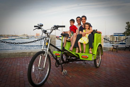 Boston Pedicab Tours : The Family having fun