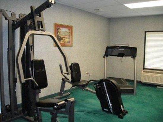 Grand Vista Hotel & Suites: Fitness Room