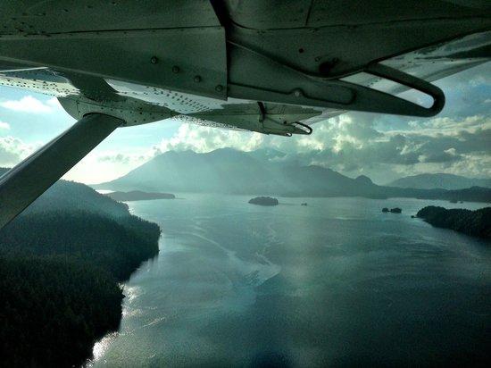 Clayoquot Wilderness Resort: The flight