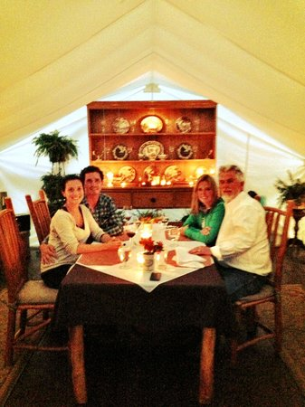 Clayoquot Wilderness Resort: Dinner w John and Adele