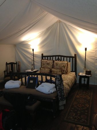 Clayoquot Wilderness Resort: Our magical room/tent!