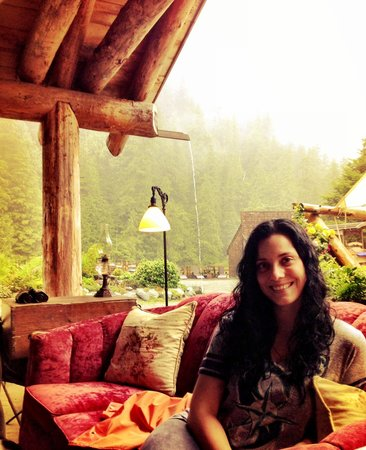 Clayoquot Wilderness Resort: Sitting in front of the grand fireplace