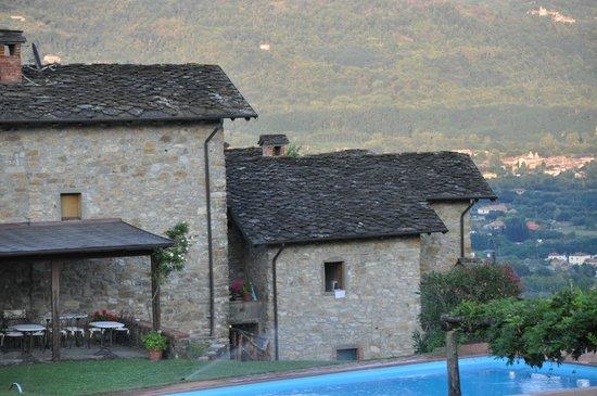 Azienda Agrituristica Costa d'Orsola: il borgo
