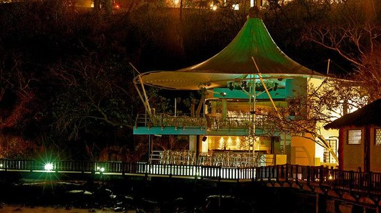 Azul Ixtapa Beach Resort & Convention Center: Bar
