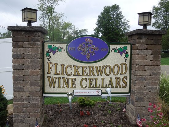 ‪‪Kane‬, بنسيلفانيا: Flickerwood Wine Cellars‬