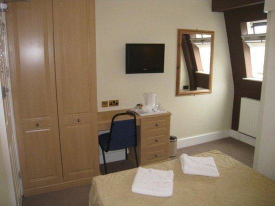 Fairway Hotel: Double Economy or Ensuite Room