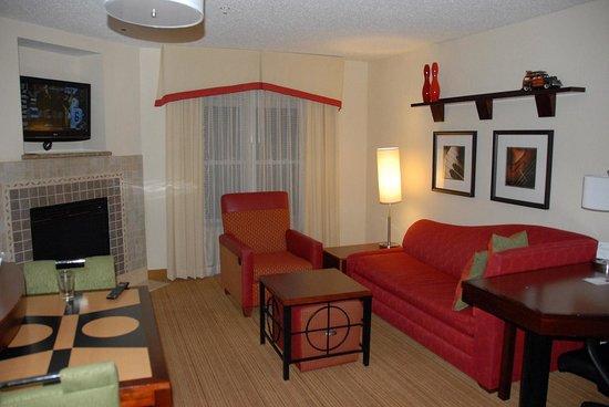 Residence Inn Richmond Chester: Living Room area