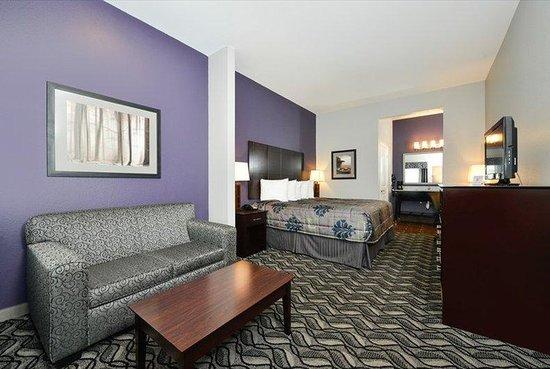 Belmont Inn and Suites : Belmont Innand Suites Tatum TXBed
