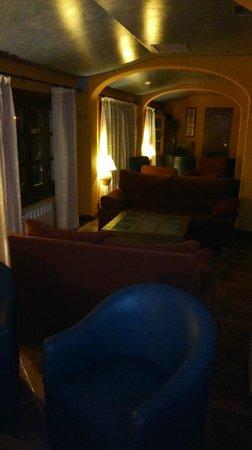 Hotel Alcadima: Salón de lectura y de juegos