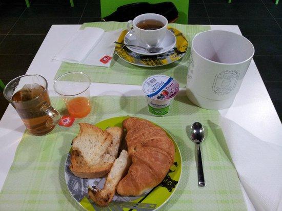 Albergo Serena: Colazione al tavolo