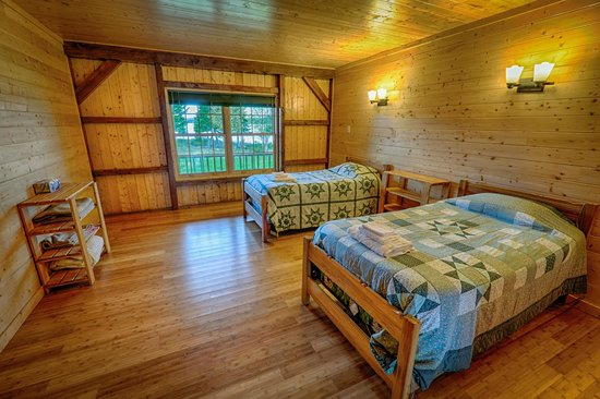 Coopers Minipi Lodges : One of our 5 double rooms at Anne Marie Lodge