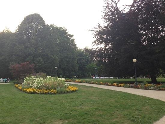 Dvorakovy Sady: the flowers inside the garden