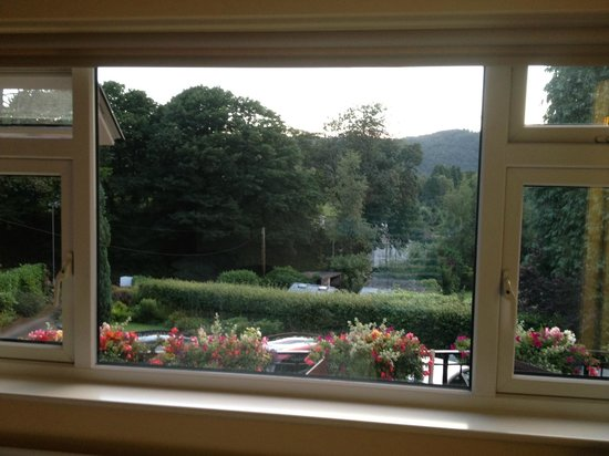 Lingwood Lodge : View from Triple room