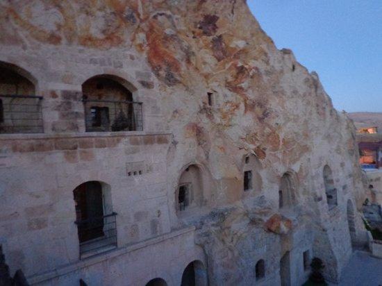 Yusuf Yigitoglu Konagi: Cave rooms