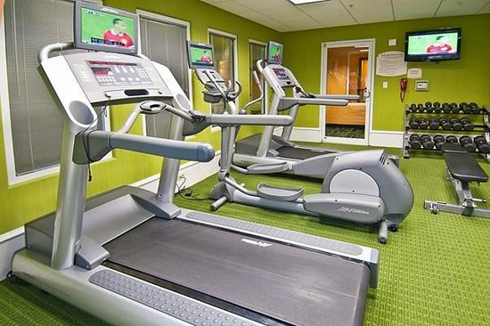 Fairfield Inn & Suites San Antonio North/Stone Oak: Keep up your exercise routine in our Fitness Center