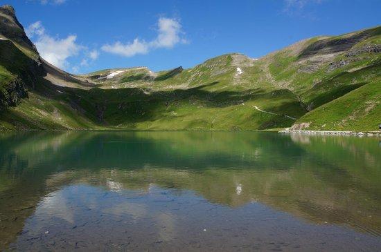 Aspen Alpin Lifestyle Hotel Grindelwald: Bergalpsee