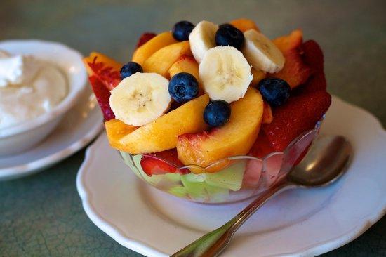 The Original Pancake House: Fresh Fruit Bowl - Seasonal fruit from local farms