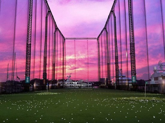 Chelsea Piers Golf Club: Beginning at 6pm on Sunday nights, enjoy unlimited balls & club rental for 1 hr for $25/person.