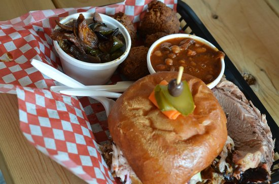 Wildfire BBQ and Smokehouse: Pulled Pork Sandwich