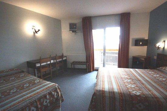 Hotel Folch: HABITACIONS FAMILIAR