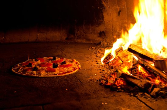 pizza au four bois picture of tamara pizza chateauguay tripadvisor