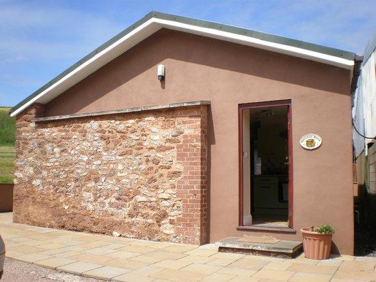 Lower Thornton Farm: Chicken Barn front door