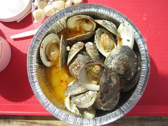 Hooked Up Seafood: A dozen littleneck clams cooked - so good!