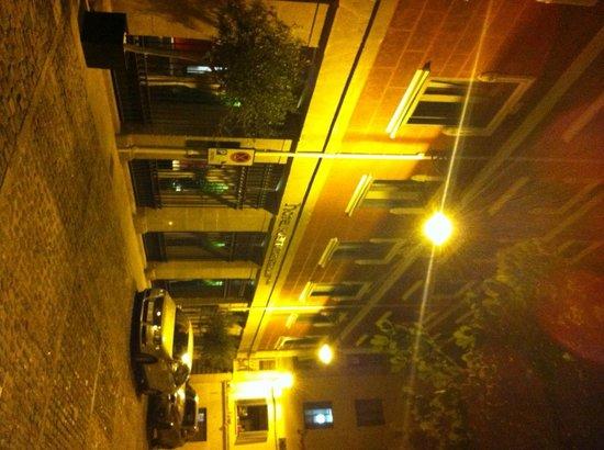 Pamplona Catedral Hotel: Hotel Front door