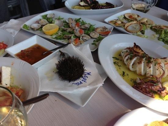 Marina Seafood : ассортимент морепродуктов