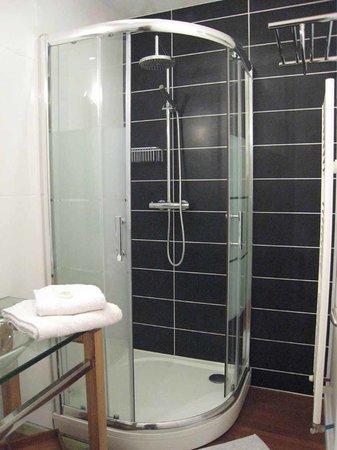 La Maison Bastide: salle de bains chambre Douce France
