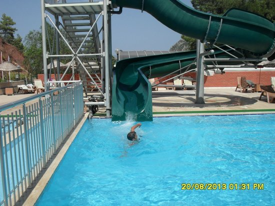 Union Palace Hotel: Slide in the pool