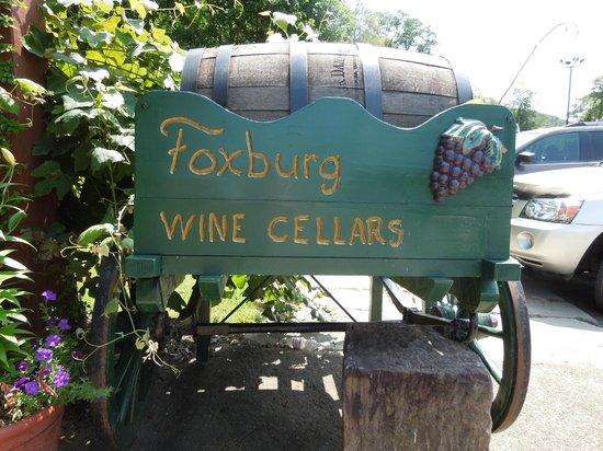 Foxburg Wine Cellars: Winery sign