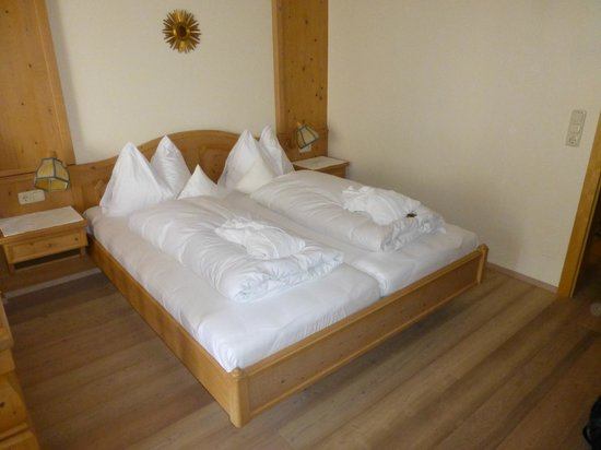Naturhotel Edelweiss: The bed