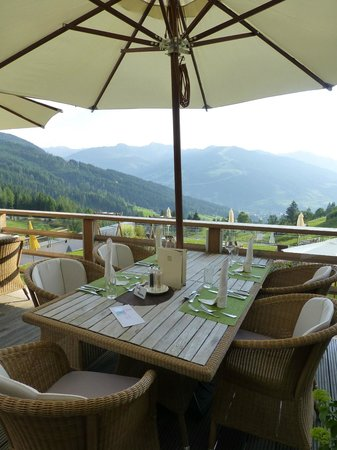 Naturhotel Edelweiss: The dinner table